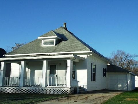 807 Cleveland Ave, Moberly, MO 65270