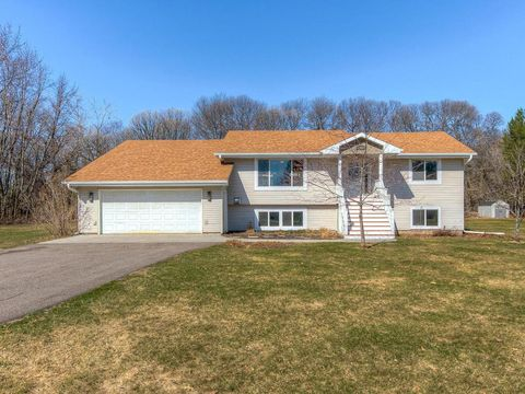 Photo of 17958 Eidelweiss St Nw, Andover, MN 55304