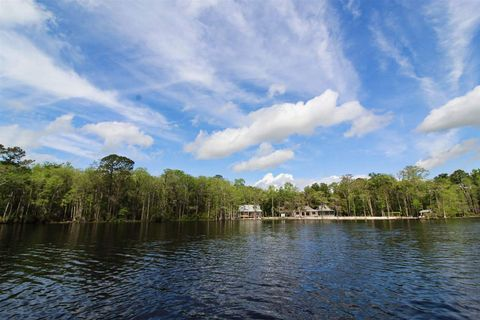 Photo of 7 Frank Jones Rd, Crawfordville, FL 32327