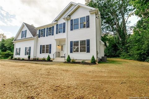 Photo of 12 Meeting House Ln, Enfield, CT 06082