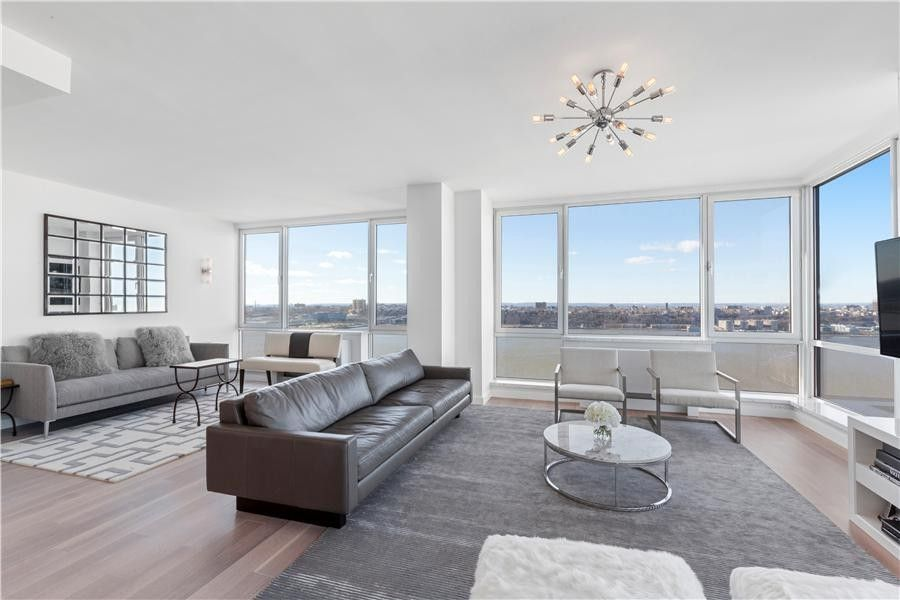635 W 42nd St Unit 21 An1, New York, NY 10036