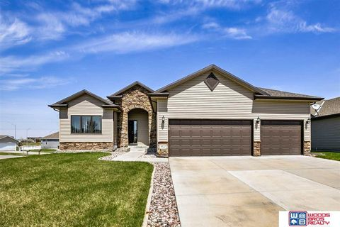 Photo of 1422 Torreys Dr, Lincoln, NE 68521