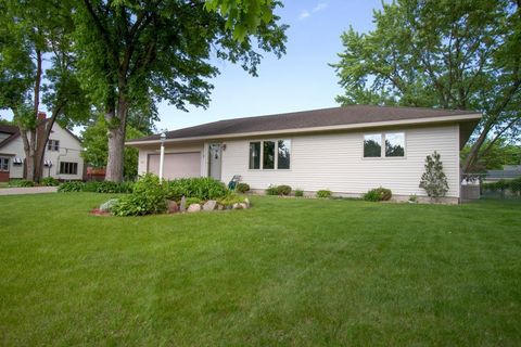 Photo of 1602 8th Ave S, Saint Cloud, MN 56301
