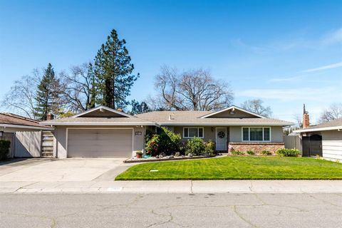 Photo Of 2011 Linden Grove Way, Carmichael, CA 95608