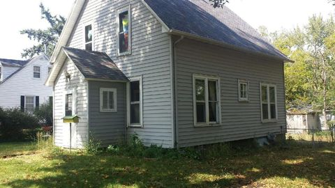 902 Central Ave, Estherville, IA 51334