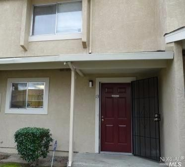 1941 Grande Cir Apt 13 Fairfield, CA 94533