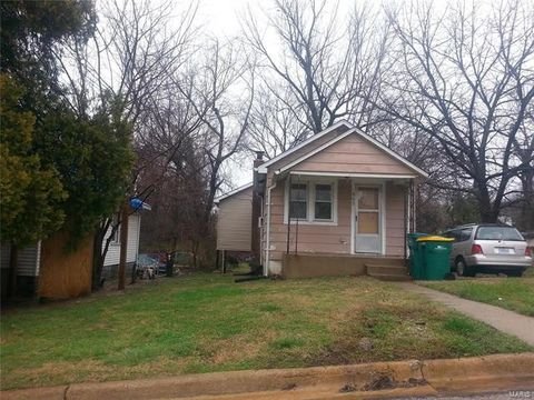 465 Adrian Dr, Riverview, MO 63137