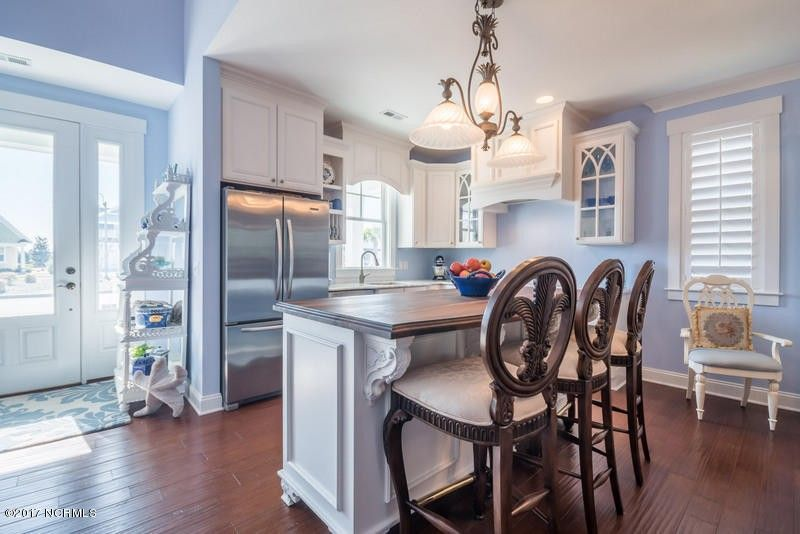 3294 Beach Cove Ln, Southport, NC 28461