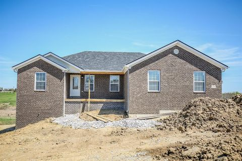 Photo of 173 Crossing View Dr, Berea, KY 40403
