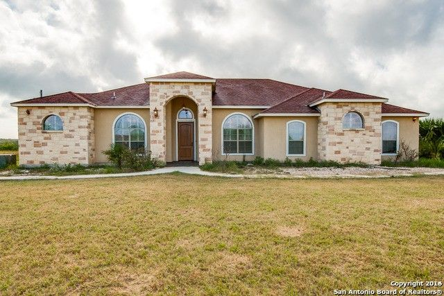1833 skyview dr floresville tx 78114 home for sale and real estate listing