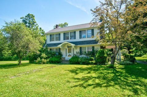 Photo of 260 S Sterling Rd, South Sterling, PA 18460