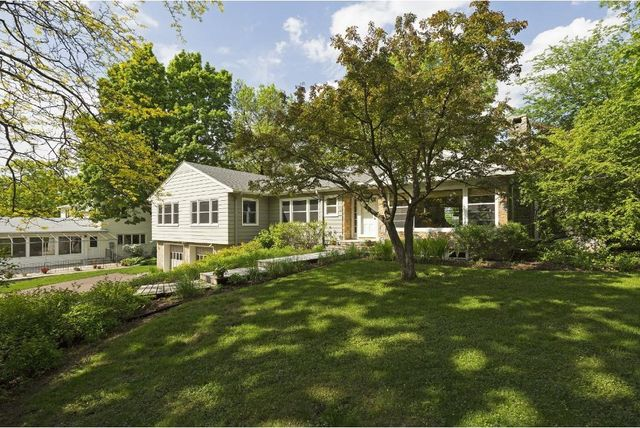 19 birchwood rd mahtomedi mn 55115 home for sale and
