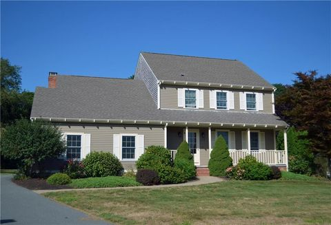 Photo of 172 Meadow Ln, Middletown, RI 02842