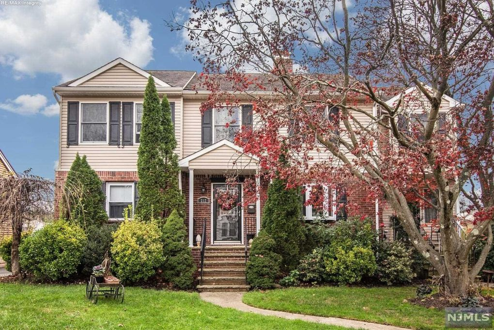 212 Vreeland Ave Bergenfield, NJ 07621