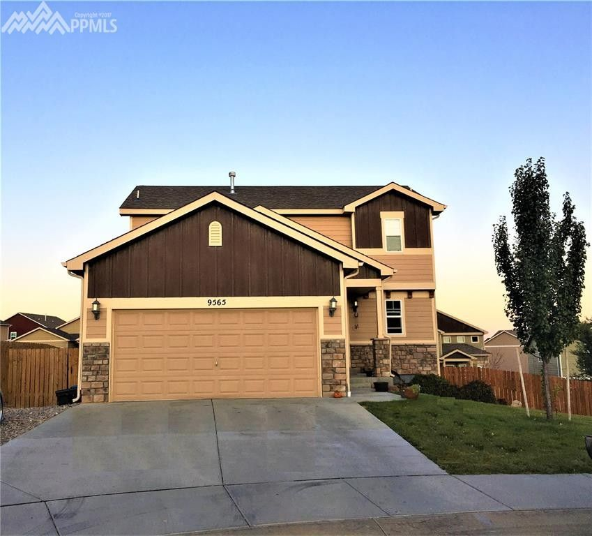 9565 Holton Ct, Fountain, CO 80817