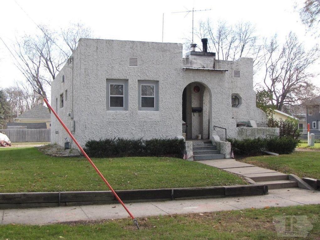 1217 N Monroe Ave, Mason City, IA 50401