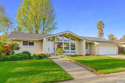 86 Parklite Cir, Sacramento, CA 95831