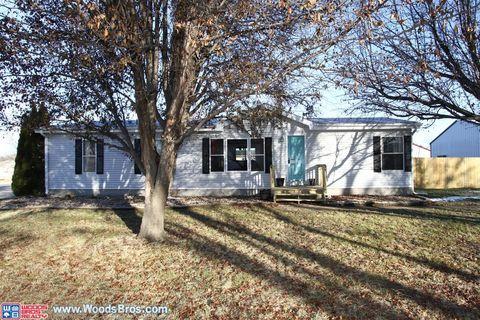 110 5th St, Greenwood, NE 68366