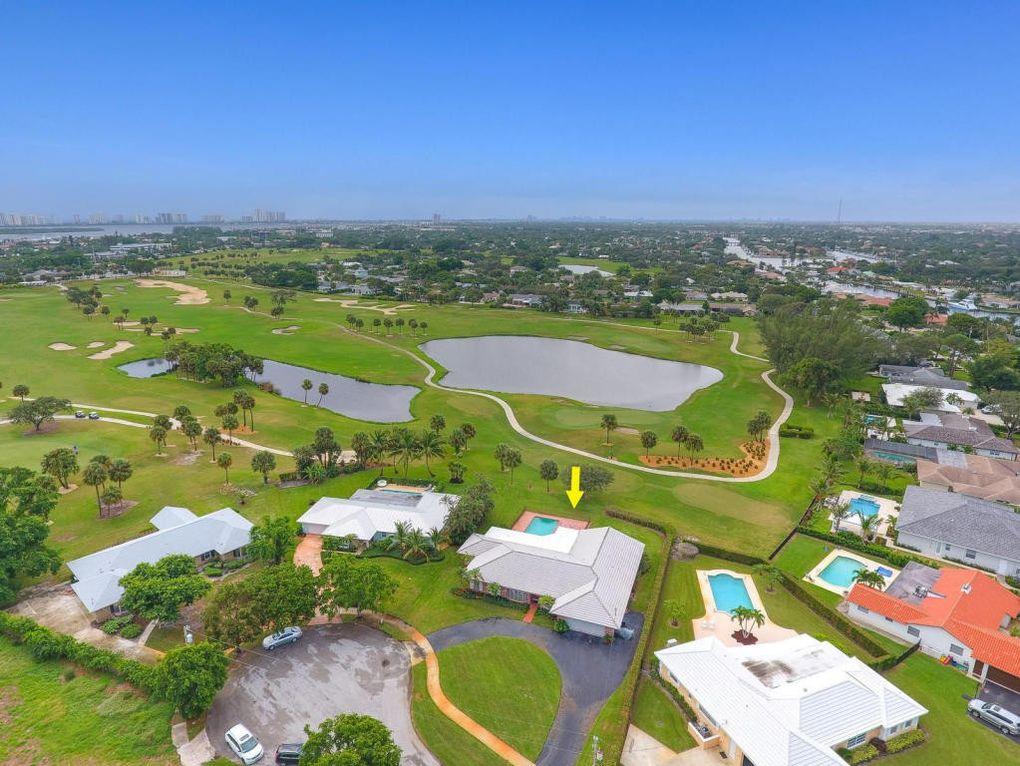 1104 Country Club Cir North Palm Beach Fl 33408