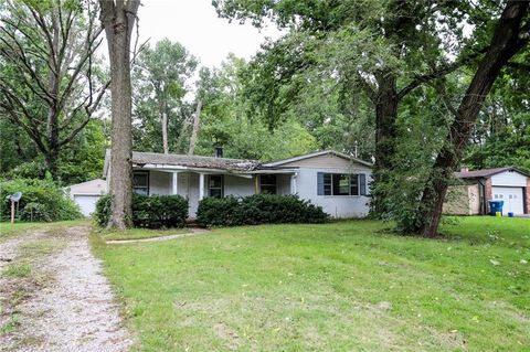 2924 Parr Dr, Indianapolis, IN 46220