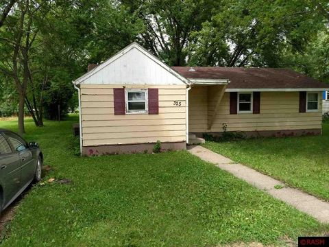 Photo of 325 3rd Ave Sw, Winnebago, MN 56098