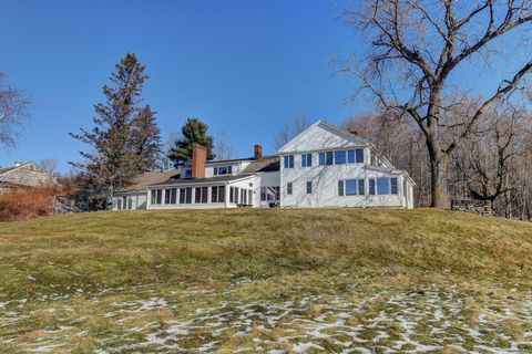 Photo of 633 Nw Hill Rd, Williamstown, MA 01267
