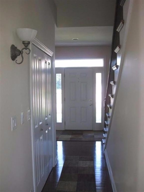 Foyer Flooring Xtra : Springwood dr hebron in realtor �