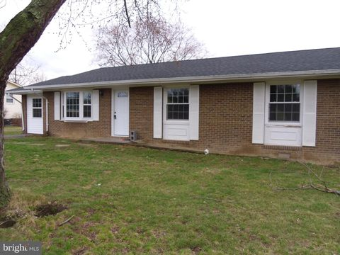 Photo of 106 Amelia Ave, Stephens City, VA 22655