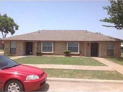 1107 Valley View Dr, Glenn Heights, TX 75154