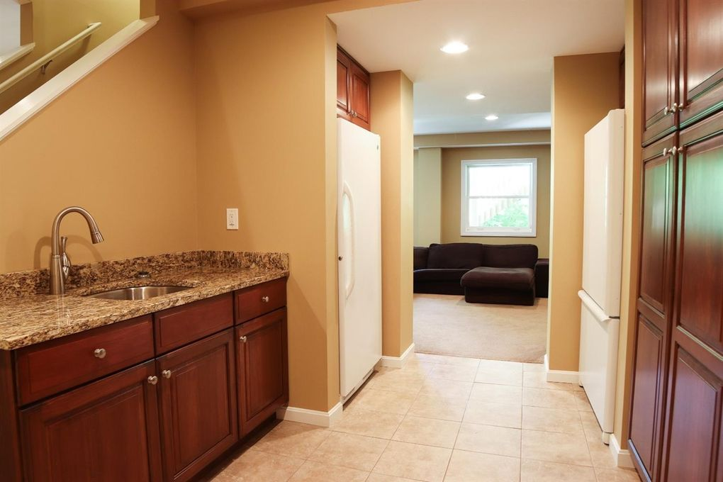 1046 Red Bird Rd, Miami Township, OH 45140