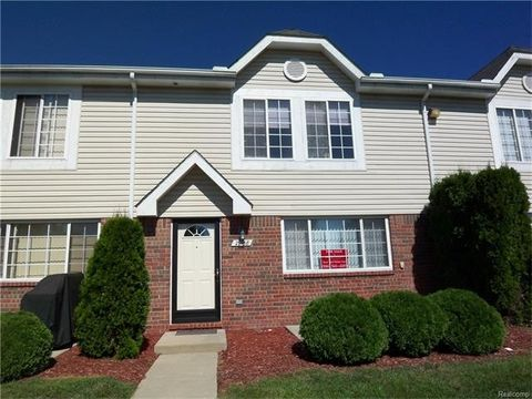 29768 Beverly Ln, Chesterfield Township, MI 48047