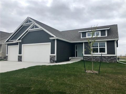 Photo of 1509 Warrior Run Dr, Norwalk, IA 50211