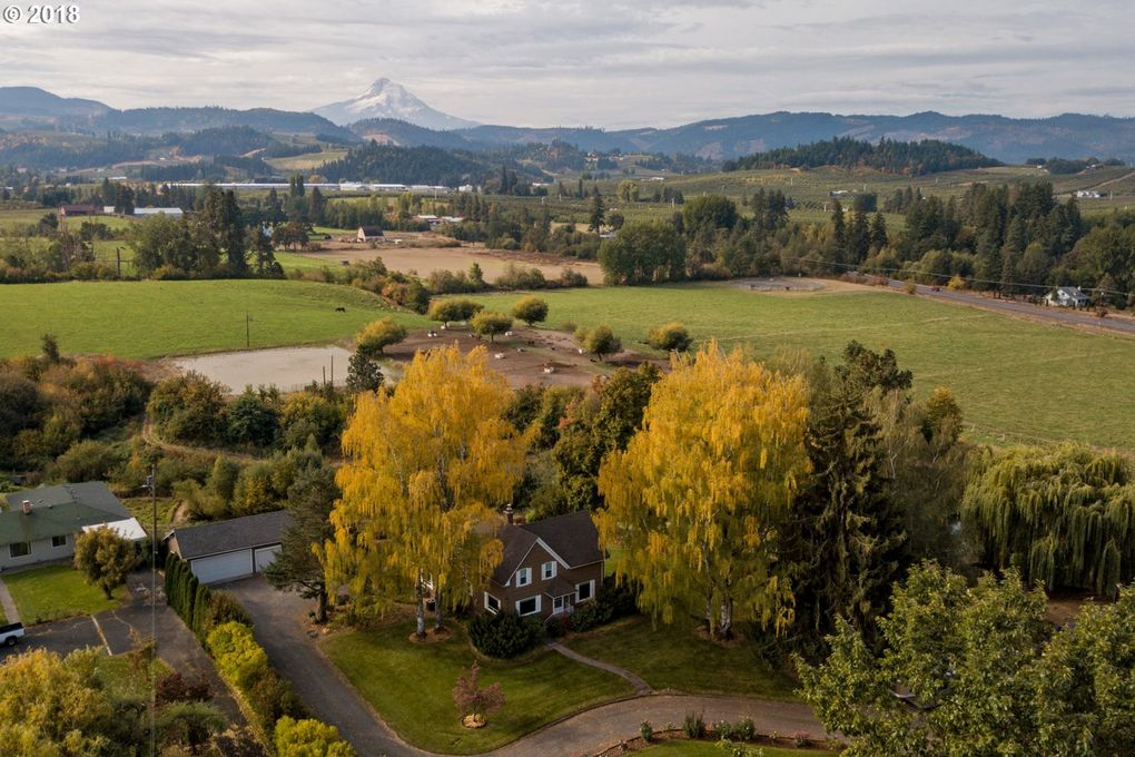 2831 Glass Dr, Hood River, OR 97031