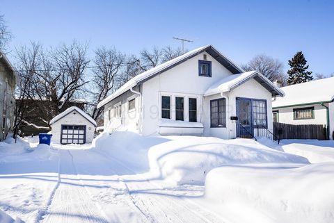Photo of 306 15th St N, Fargo, ND 58102