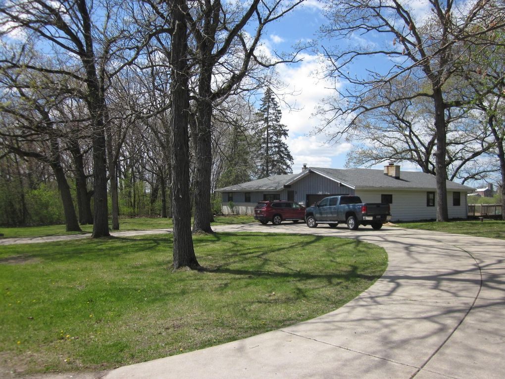 W188S10485 Kelsey Dr Muskego, WI 53150