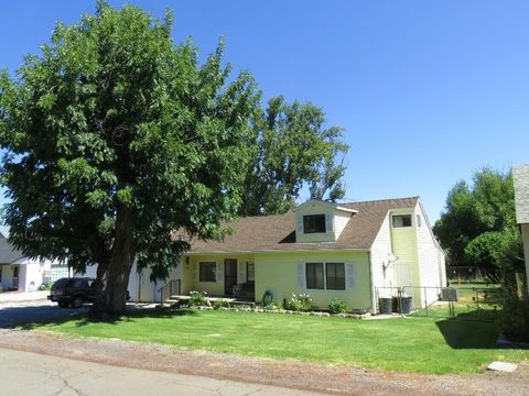 24777 Long St, Fall River Mills, CA 96028