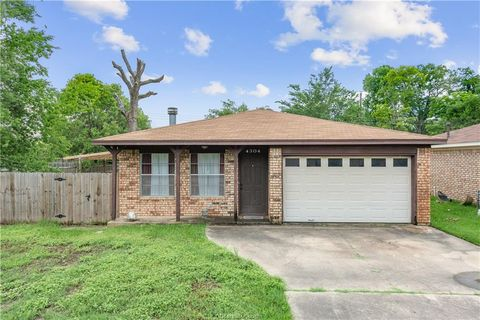 Photo of 4304 Green Valley Dr, Bryan, TX 77802