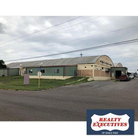 Photo of 341 Bullis St, Eagle Pass, TX 78852