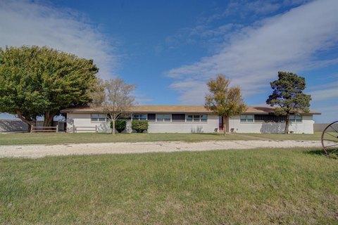 720 Farm Road 1317, Tahoka, TX 79373