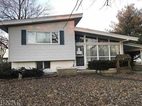 Photo of 104 E First St, Gridley, IL 61744
