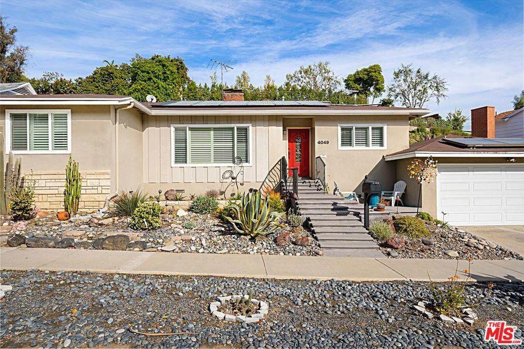 4049 Fairway Blvd View Park, CA 90043