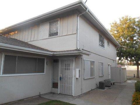 4942 N Holt Ave, Fresno, CA 93705