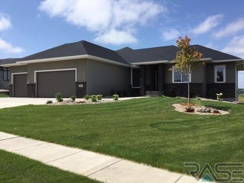 Photo of 201 Ne Harvest Hill Cir, Sioux Falls, SD 57110