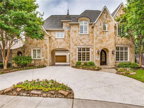 Photo of 629 Saint James Pl, Coppell, TX 75019