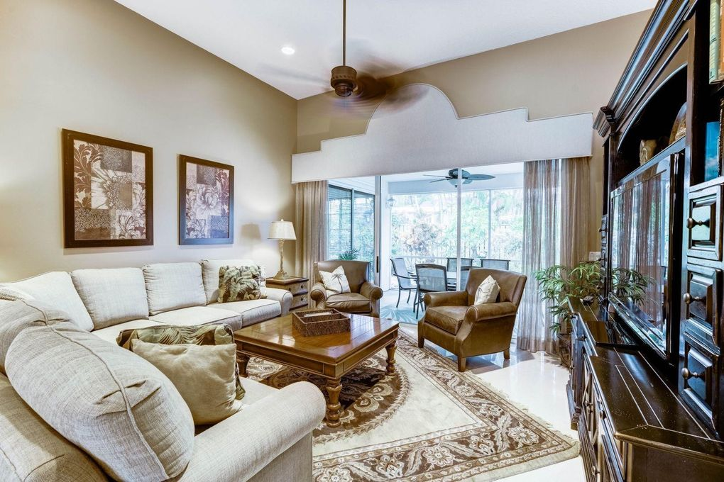 305 Eagleton Estate Dr, Palm Beach Gardens, FL 33418