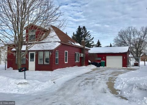 Photo of 405 2nd St Nw, Melrose, MN 56352