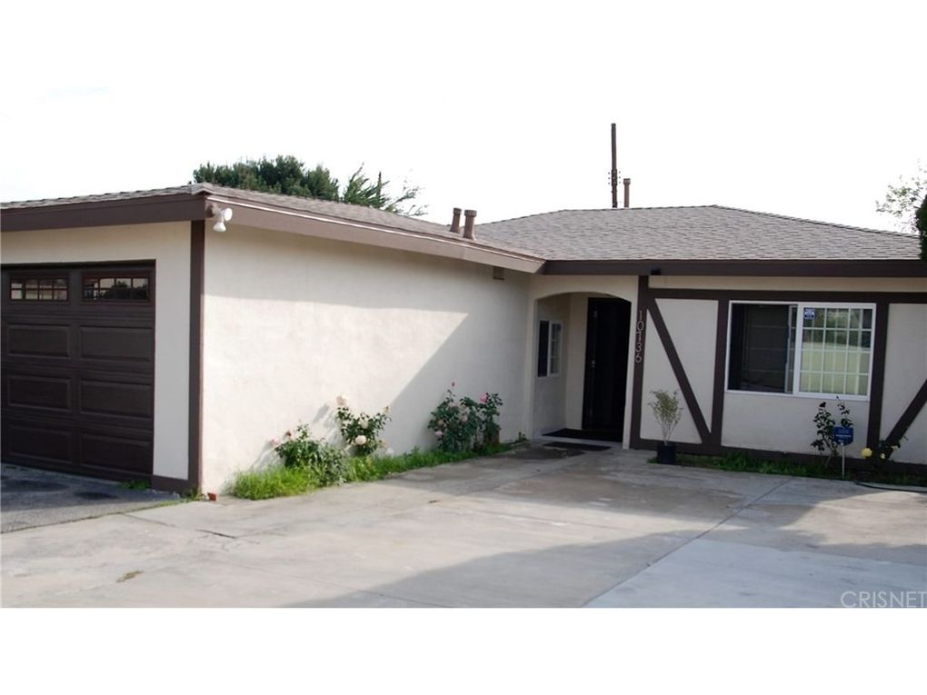 10736 Saticoy St Sun Valley, CA 91352