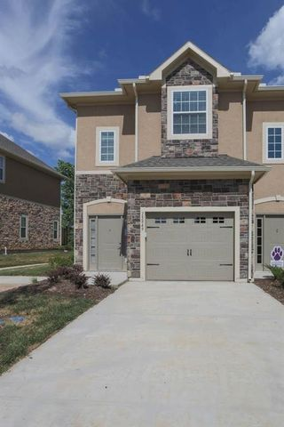 Photo of 15849 Valleyview Dr, Overland Park, KS 66223