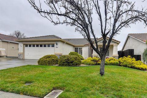 Photo of 607 Blossom Oak Ct, Vacaville, CA 95688