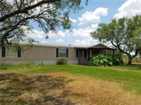 340 County Road 473 Cir, Alice, TX 78332